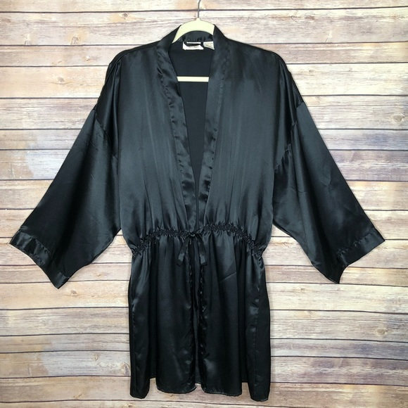 Victoria's Secret Other - EUC Victoria Secret long sleeve black robe M/L